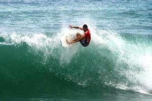 Jaco Surfing 2